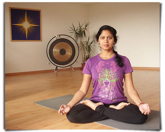 Pradipta, notre professeur de yoga
